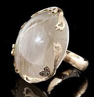 Anello in oro rosa con quarzo rutilato e diamanti